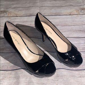 Via Spiga Patent Leather peep toe heels Sz 8 Black